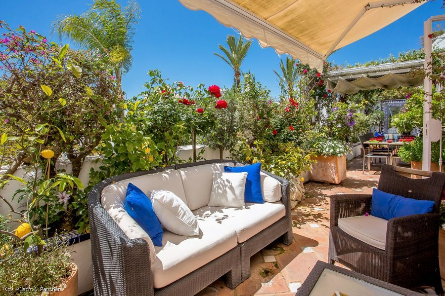 Apartment at Jardines Colgantes in Marbella Hill Club