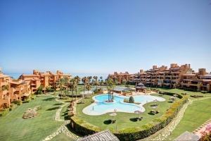 Frontline beach South facing Duplex Penthouse in Los Granados del Mar