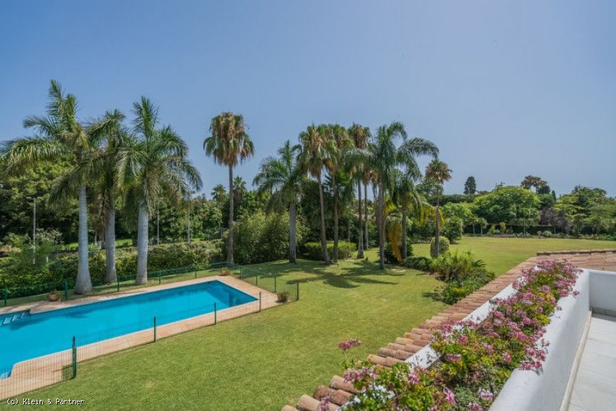 Luxury 8 Bedroom Mediterranean Villa in Guadalmina Baja