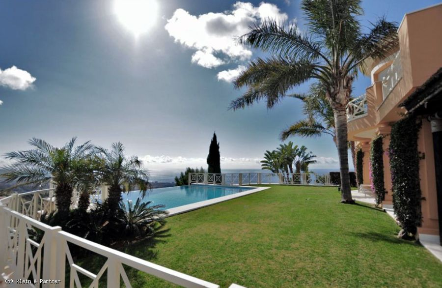 Luxury Villa for sale in Los Altos de Los Monteros