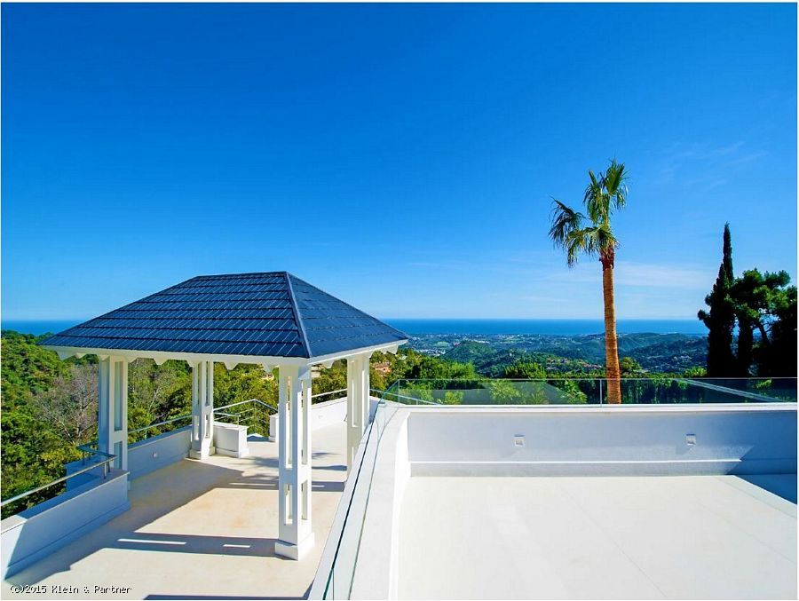 Villa Property for sale at La Zagaleta in Benahavis