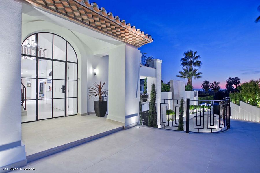 5 Bedroom Modern Andalucian villa Florence