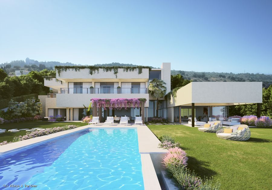 Luxury Villa for sale or Plot with project in Los Flamingos Nº 17